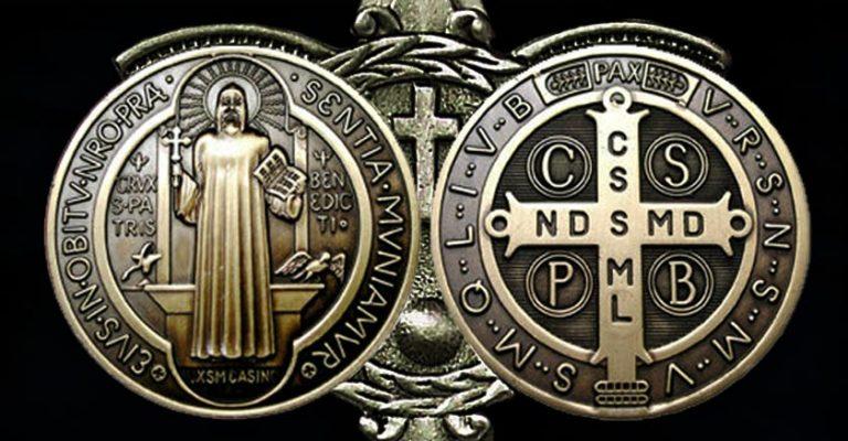 ¿Por qué se usa la Medalla de San Benito para la protección?